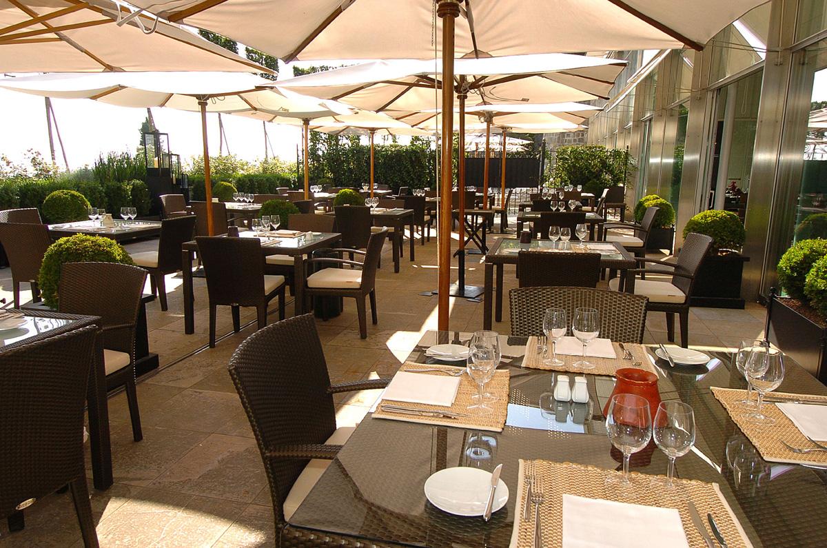 Lausanne palace spa recrute r ceptionniste d tails - Restaurant terrasse jardin grenoble mulhouse ...