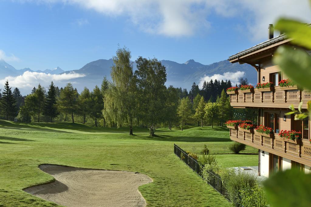 guarda golf hotel residences recrute chef de rang d tails de l 39 offre d 39 emploi ou de stage. Black Bedroom Furniture Sets. Home Design Ideas