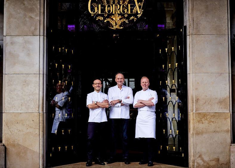 Four seasons h tel george v recrute extra chef de for Offre d emploi chef de cuisine international