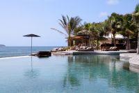 Pool view & Mango beach restaurant