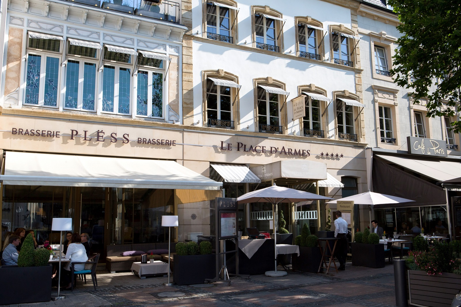 Le place d 39 armes ultra luxury and luxury hotels and for Gourmet hotels