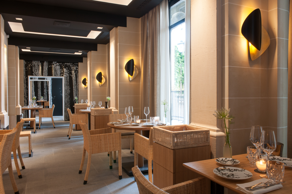 Restaurant du palais royal recrute commis de salle for Restauration emploi