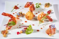 Beignet de Tomate Farcie � la Ricotta, Crevette Tigr�e et Jambon Ib�rique Bellota, Vinaigre de Tomate - Romain Gondras