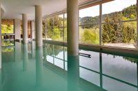 Une des 4 piscines du spa