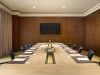 Meeting room gobelin at warwick geneva standard