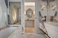 Bathroom Marie Antoinette