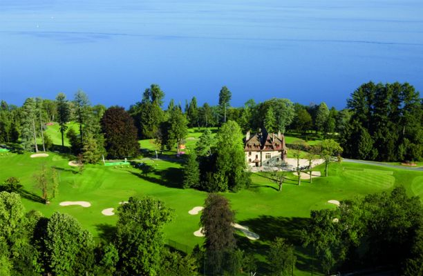 Evian Resort recrute !