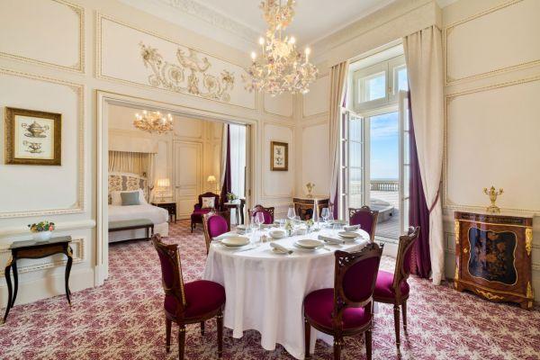 L'Hôtel du Palais recrute !